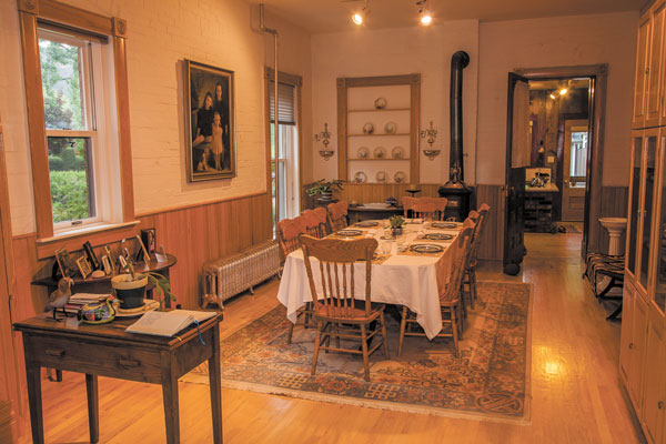 Dining | The Gable House Bed & Breakfast