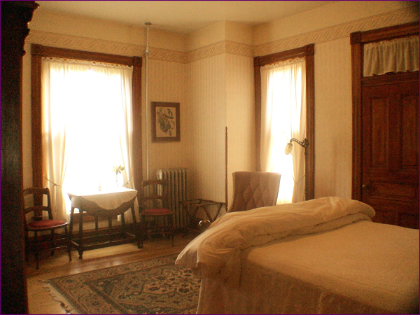 Schutt's Room | The Gable House Bed & Breakfast